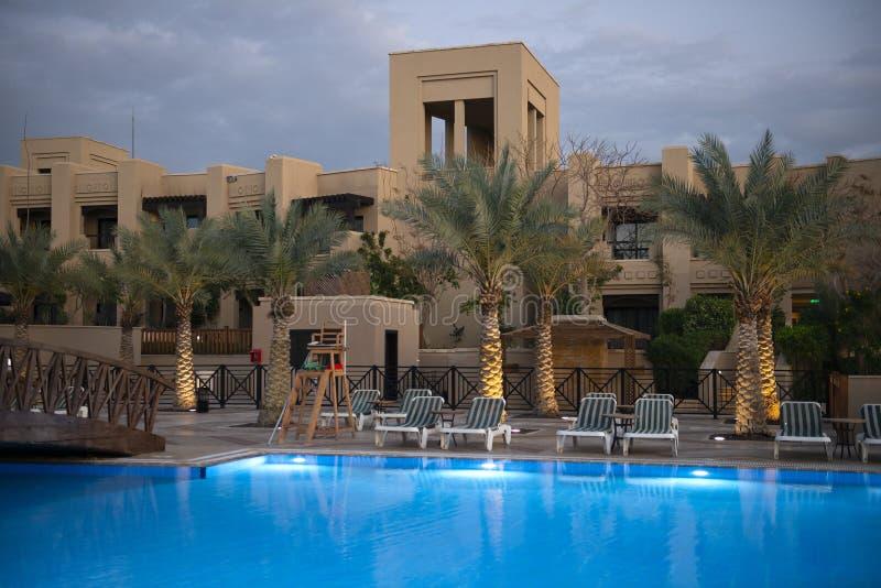 Luksusowy hotelu w kurorcie basen zdjęcia stock