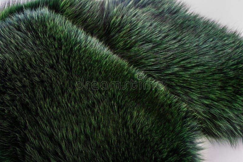 Luksusowy i elegancki puszysty odziewa Farbujący owłosiony żakiet w zielonym kolorze, zamyka up zdjęcie royalty free