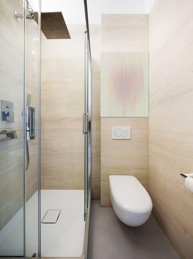 Luksusowy mieszkanie, nowożytna łazienka obrazy stock
