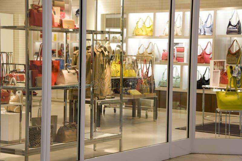 Luksusowy torebki mody sklep zdjęcie royalty free