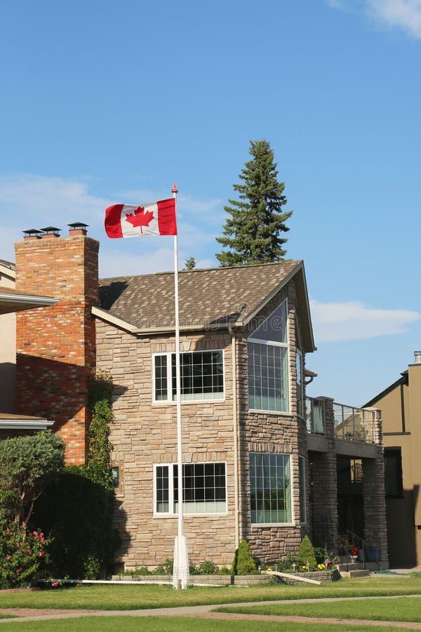 Luksusowy nadbrzeże rzeki dom w Calgary zdjęcie stock