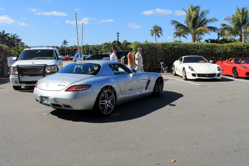 Luksusowy sporta samochód w parking zdjęcie stock