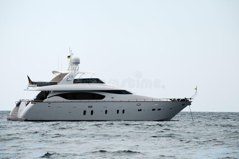 luksusu silnika jacht zdjęcie stock