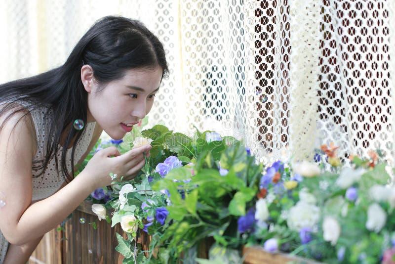 Lukta blommorna royaltyfria bilder