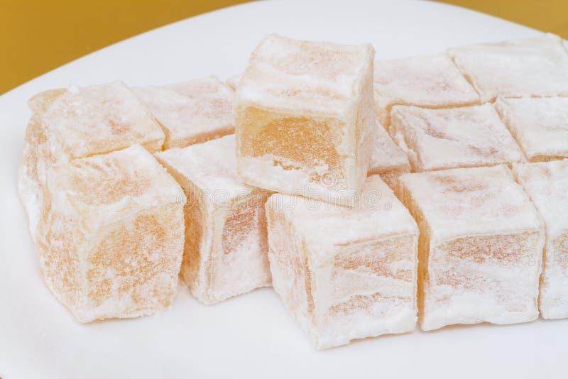 Lukum no açúcar pulverizado imagens de stock royalty free