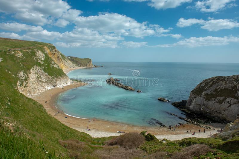 Lulworth liten vik, kust i Dorset arkivfoton