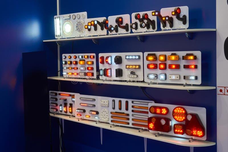 Lumière électrique des véhicules à moteur photographie stock libre de droits