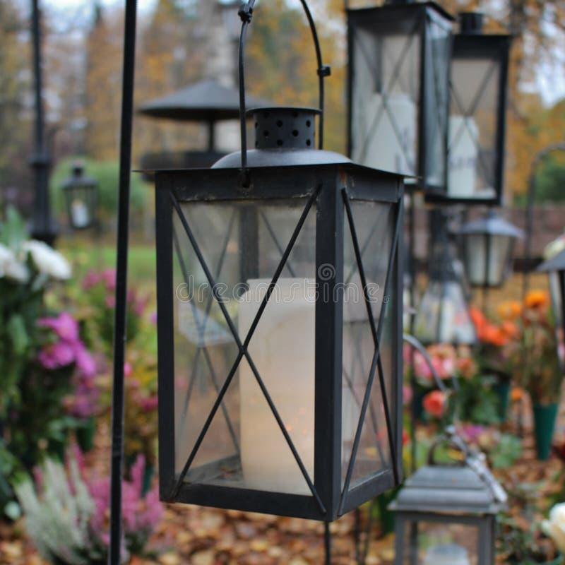 Lumière au cimetière photos libres de droits