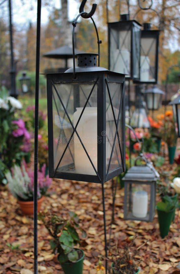 Lumière au cimetière photographie stock