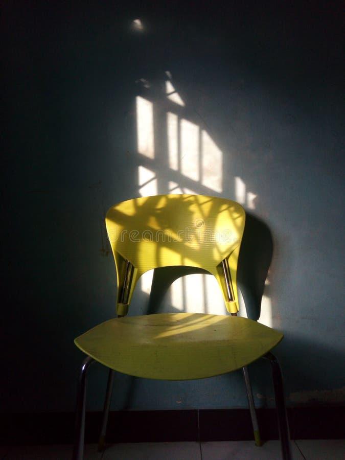 Lumière dans la chaise 2 image stock