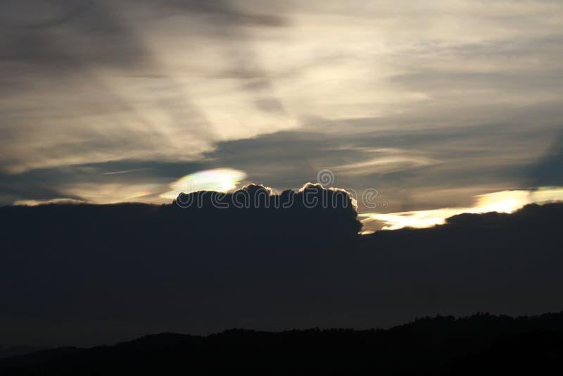 Lumi?re de coucher du soleil le soir au parc national photos libres de droits