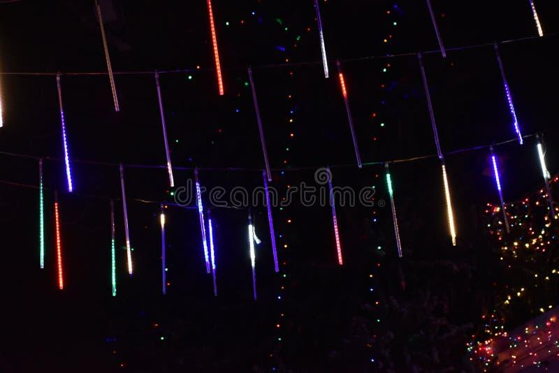 Lumière de Noël pendant la nuit à New York, Etats-Unis photo stock