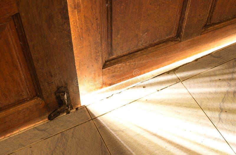 Lumière de porte ouverte photos libres de droits