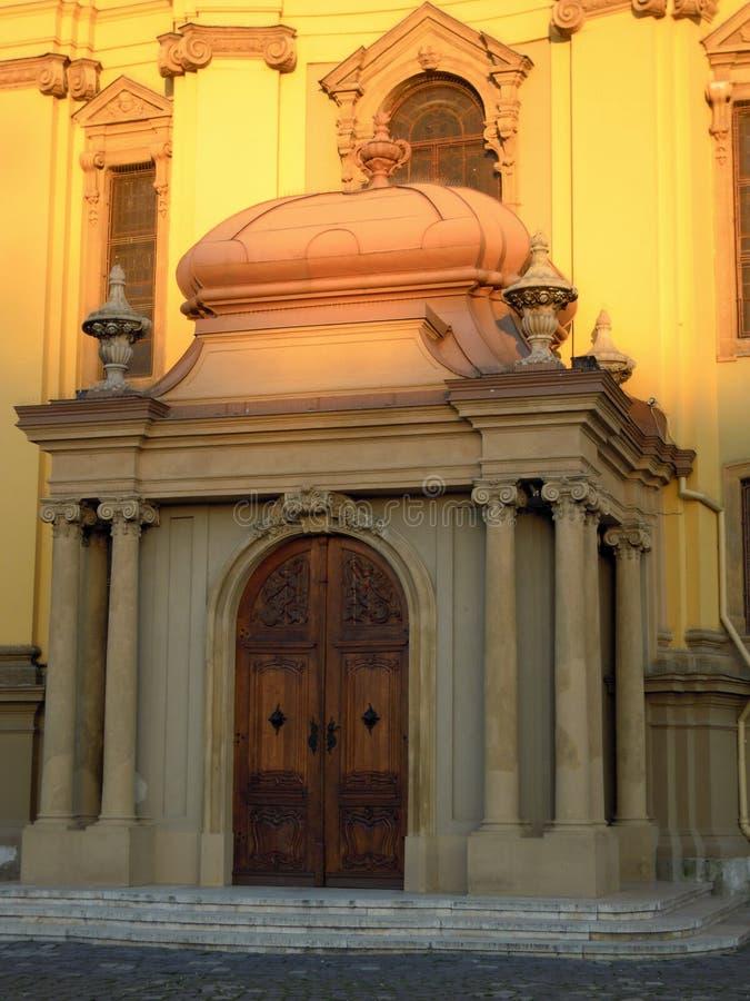 Lumière du soleil sur l'église image stock