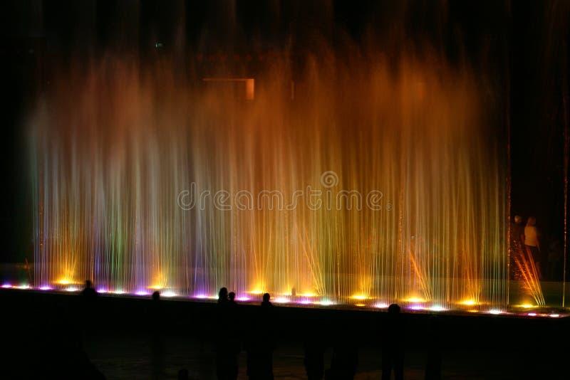 Lumière et fontaine 1 photographie stock
