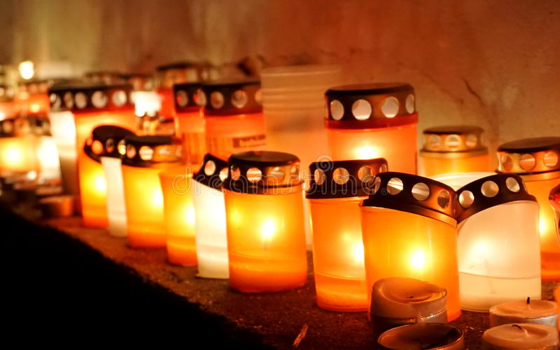 Lumière molle des bougies images libres de droits