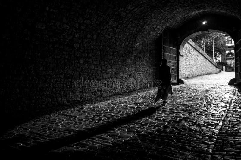 Lumière sur l'extrémité d'un tunnel photos stock