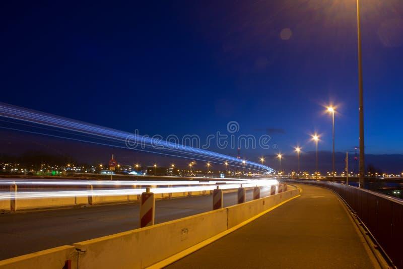 Lumière-traînées de route images libres de droits