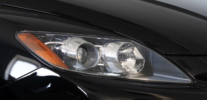 Lumières avant d'un véhicule images stock