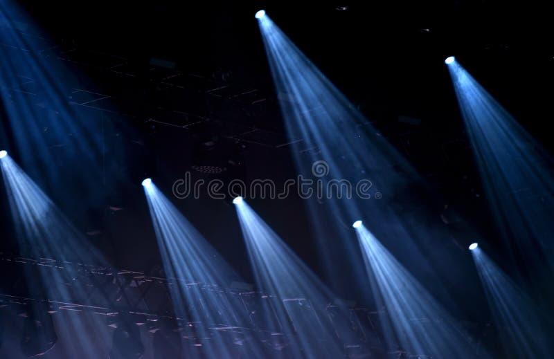 Lumières bleues d'étape image libre de droits