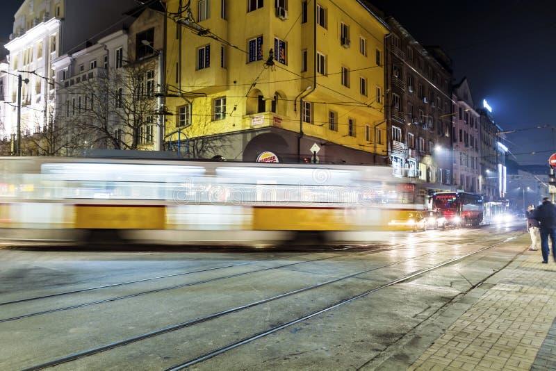 Lumières d'artère de tramway la nuit photos libres de droits