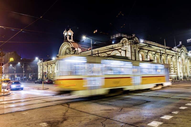 Lumières d'artère de tramway la nuit image libre de droits
