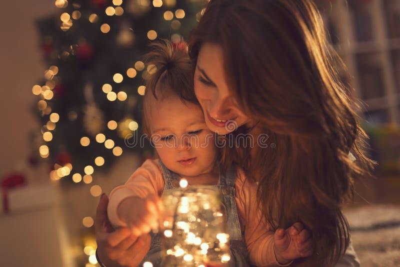 Lumières de famille et de Noël image libre de droits