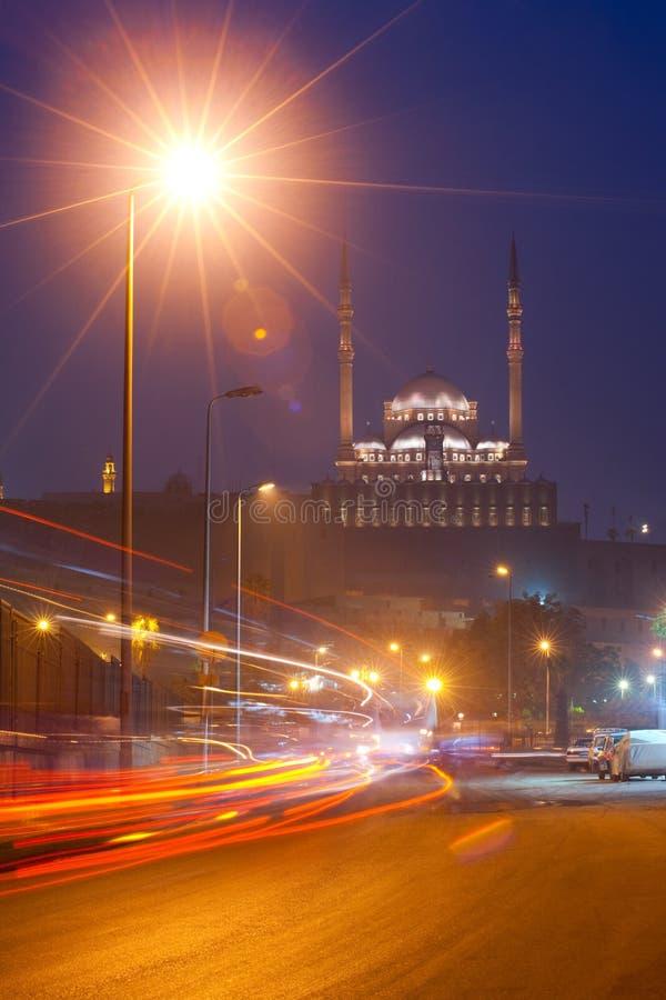Lumières de remorquage de nuit du Caire Egypte de citadelle image stock