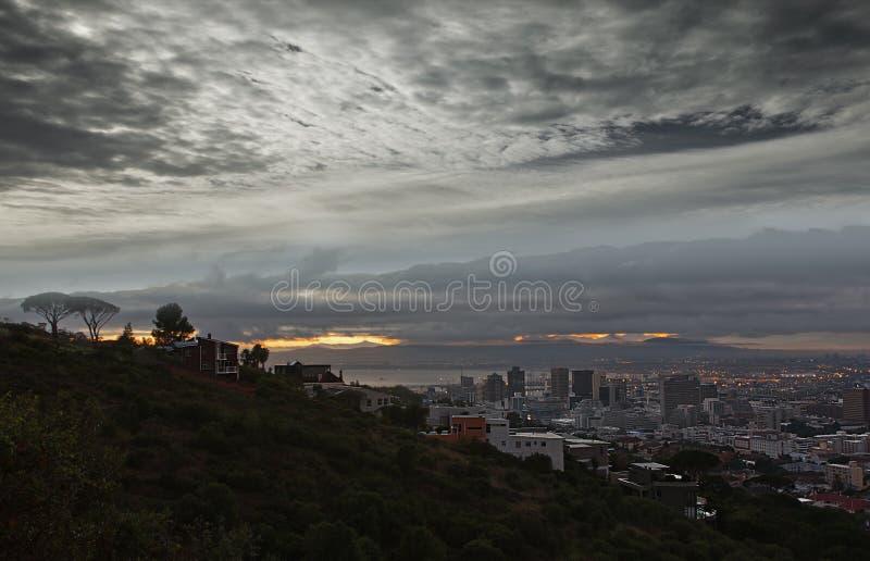 Lumières de ville de Capetown photographie stock libre de droits