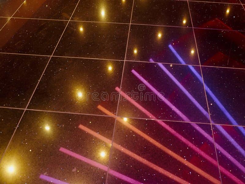 Lumières disco discothèque dans le night-club branché de la danse images libres de droits
