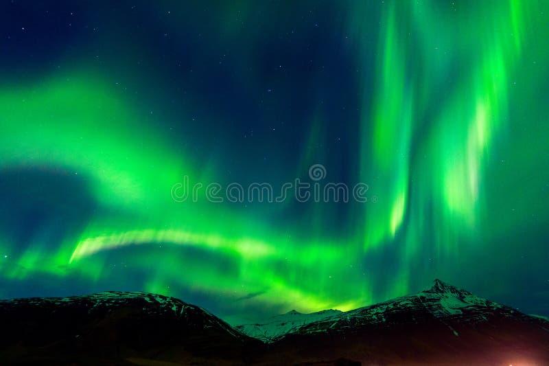 Lumières du nord Aurora Borealis la nuit images libres de droits