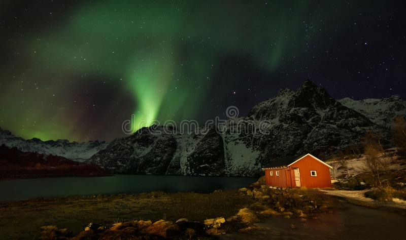 Lumières du nord d'îles de Lofoten - Aurora Borealis Norway photo stock