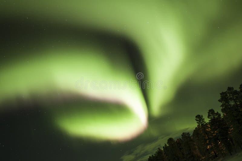 Lumières du nord en Laponie Finlande photo stock