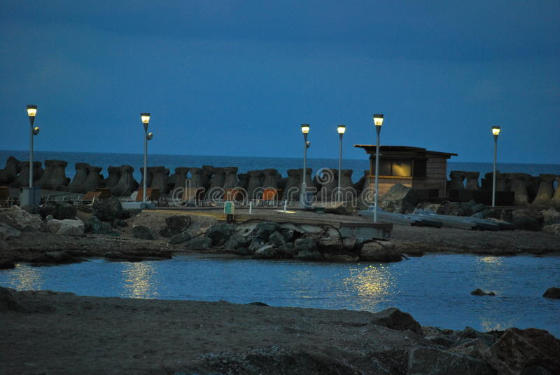 Lumières sur la plage photographie stock libre de droits