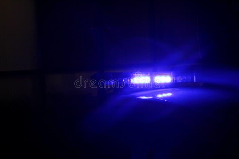 Lumi?re bleue de voiture de police illustration stock