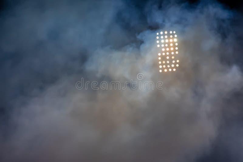 Lumi?res et fum?e de stade photographie stock libre de droits