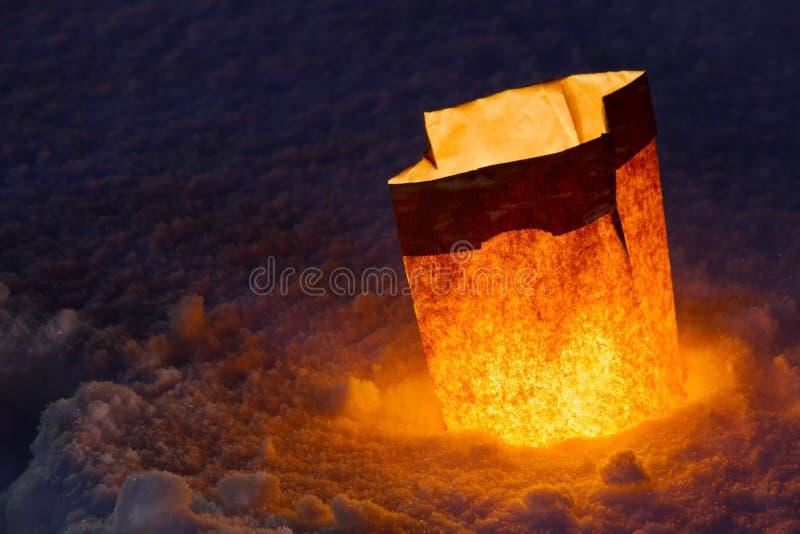 Luminaria en la nieve fotos de archivo libres de regalías