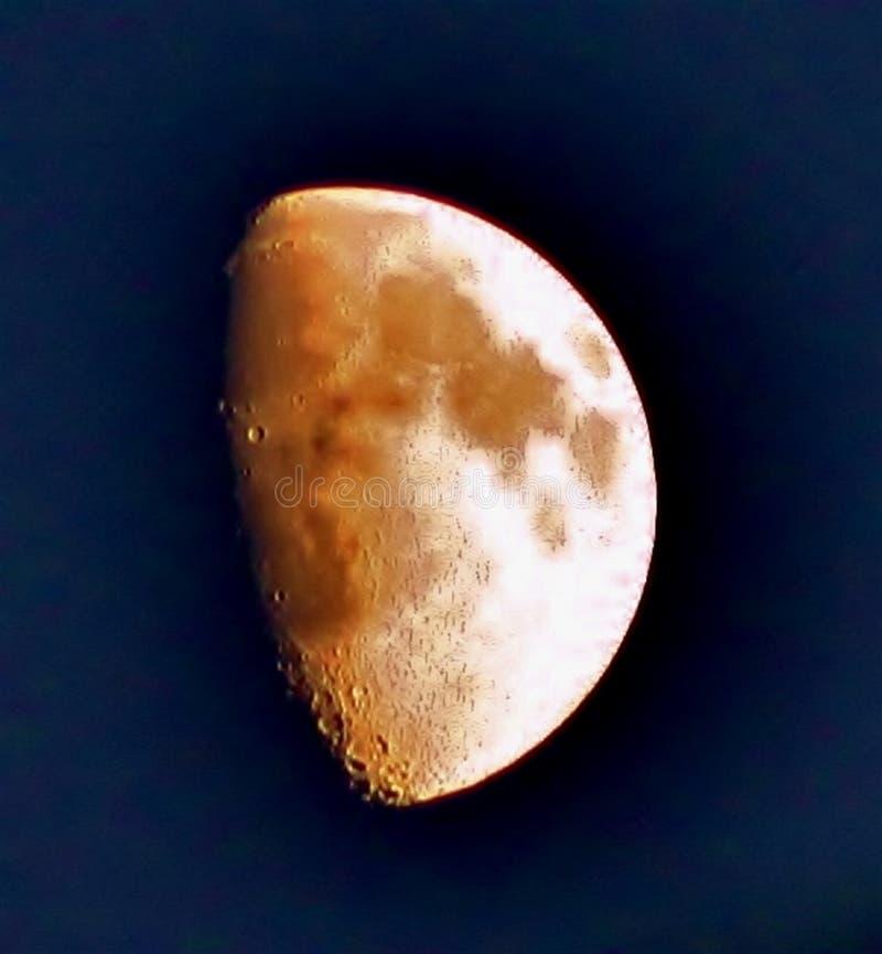 Luna al tramonto fotografie stock libere da diritti