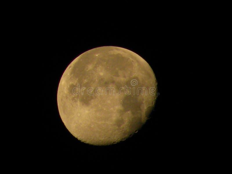 Luna de disminución en cielo foto de archivo libre de regalías
