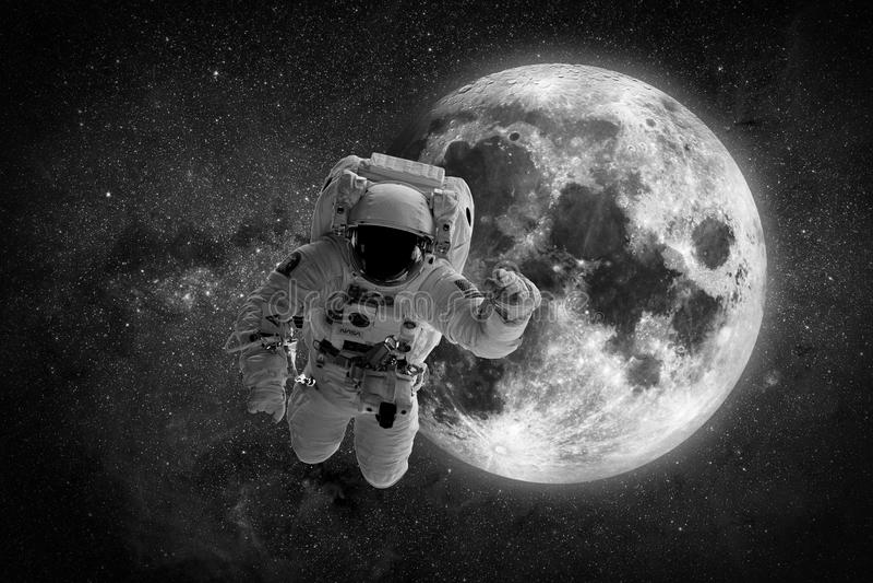 Luna de la tierra del planeta de la gente del espacio exterior del astronauta del astronauta Elementos de esta imagen equipados p fotos de archivo