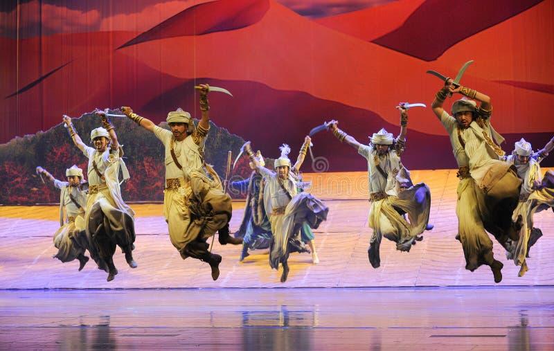 Luna di balletto di ballo-Hui della scimitarra sopra Helan immagine stock libera da diritti