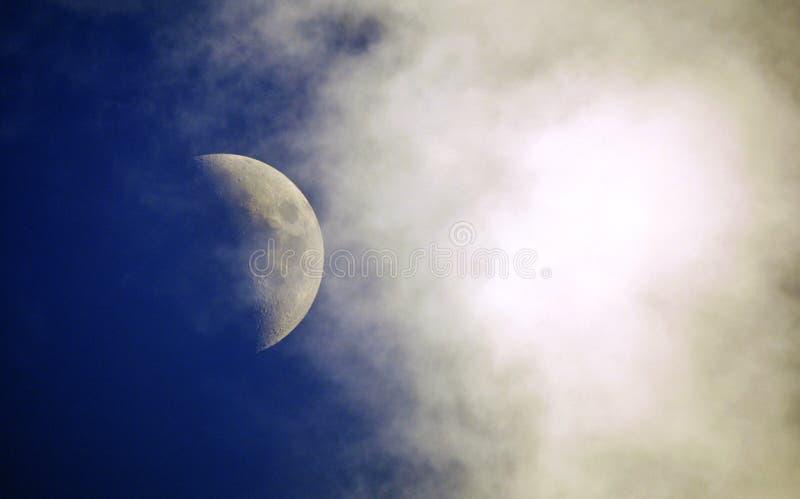 Luna di giorno fotografia stock