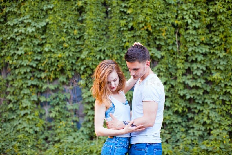 Luna di miele per una giovane famiglia fotografia stock libera da diritti