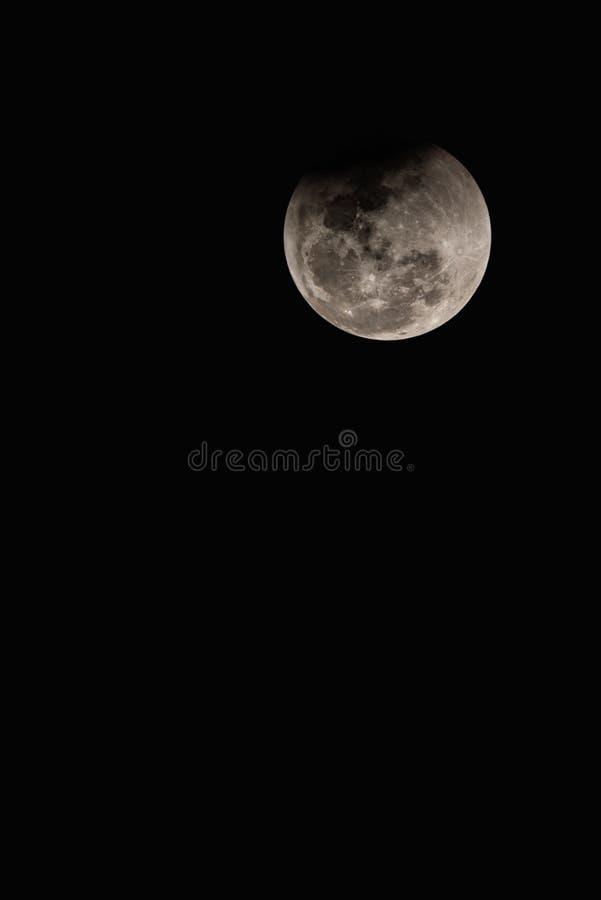Luna eccellente del sangue blu il 31 gennaio 2018 in Tailandia a 22 11 di sera fotografia stock libera da diritti