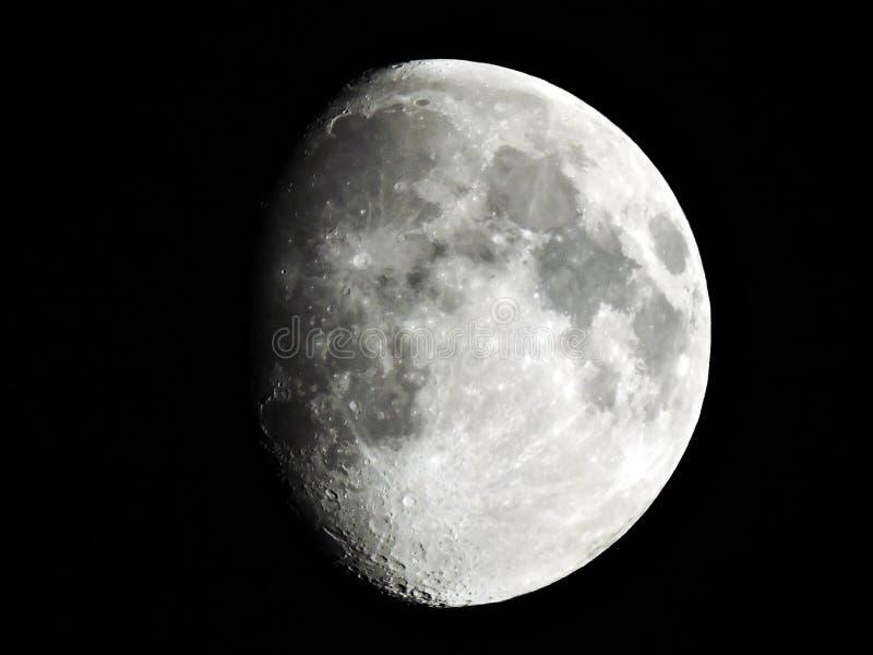 Luna gibosa imagenes de archivo