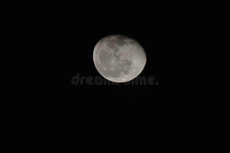 Luna Llena contra el cielo negro fotos de archivo