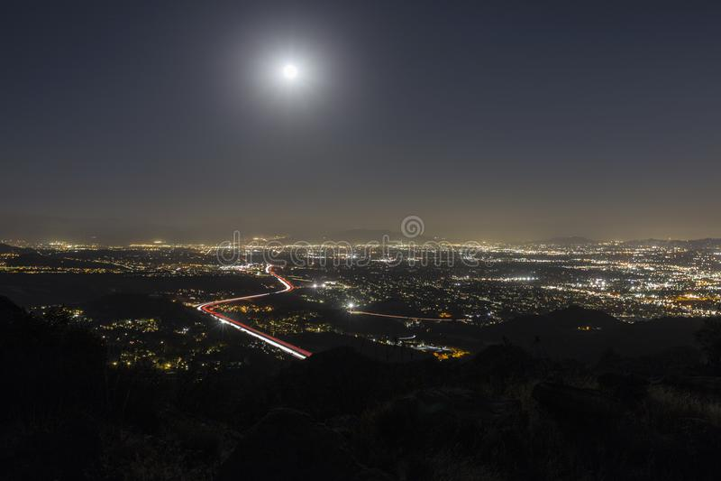 Luna Llena sobre Los Ángeles fotos de archivo libres de regalías