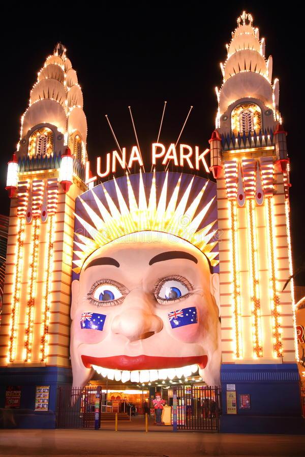 Download Luna Park At Night Editorial Photography - Image: 26013552