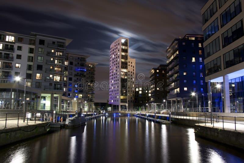 Luna sobre Clarence Dock - Leeds fotos de archivo libres de regalías