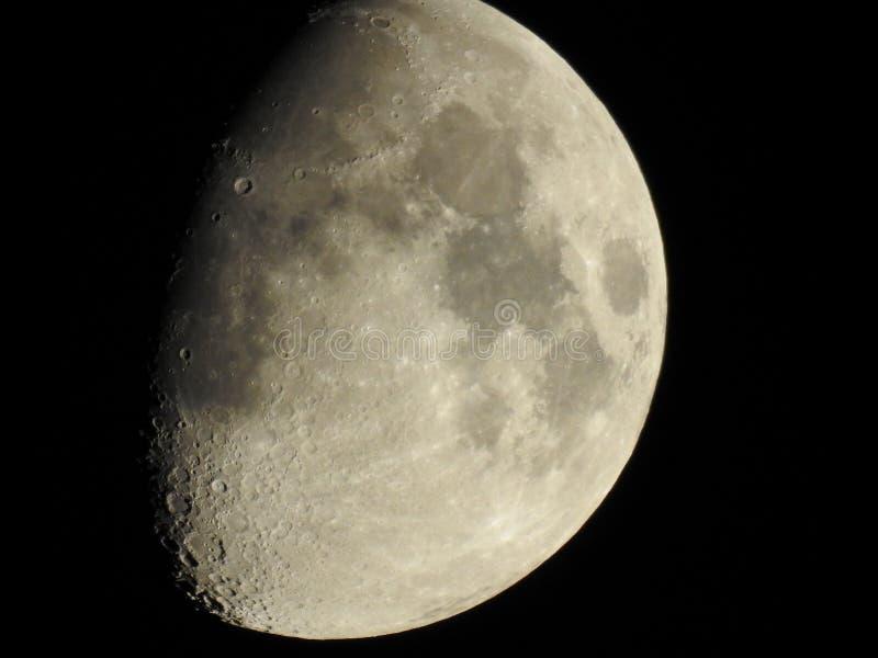 Luna sobre Colorado Springs foto de archivo